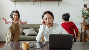 Tips for Balancing Remote Work and Full-Time Parenting During COVID-19