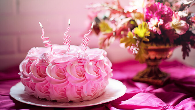 Here's How To Host The Perfect Birthday Party For Your Mom