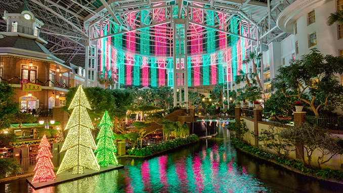 A Country Christmas at Gaylord Opryland Returns for the Holidays